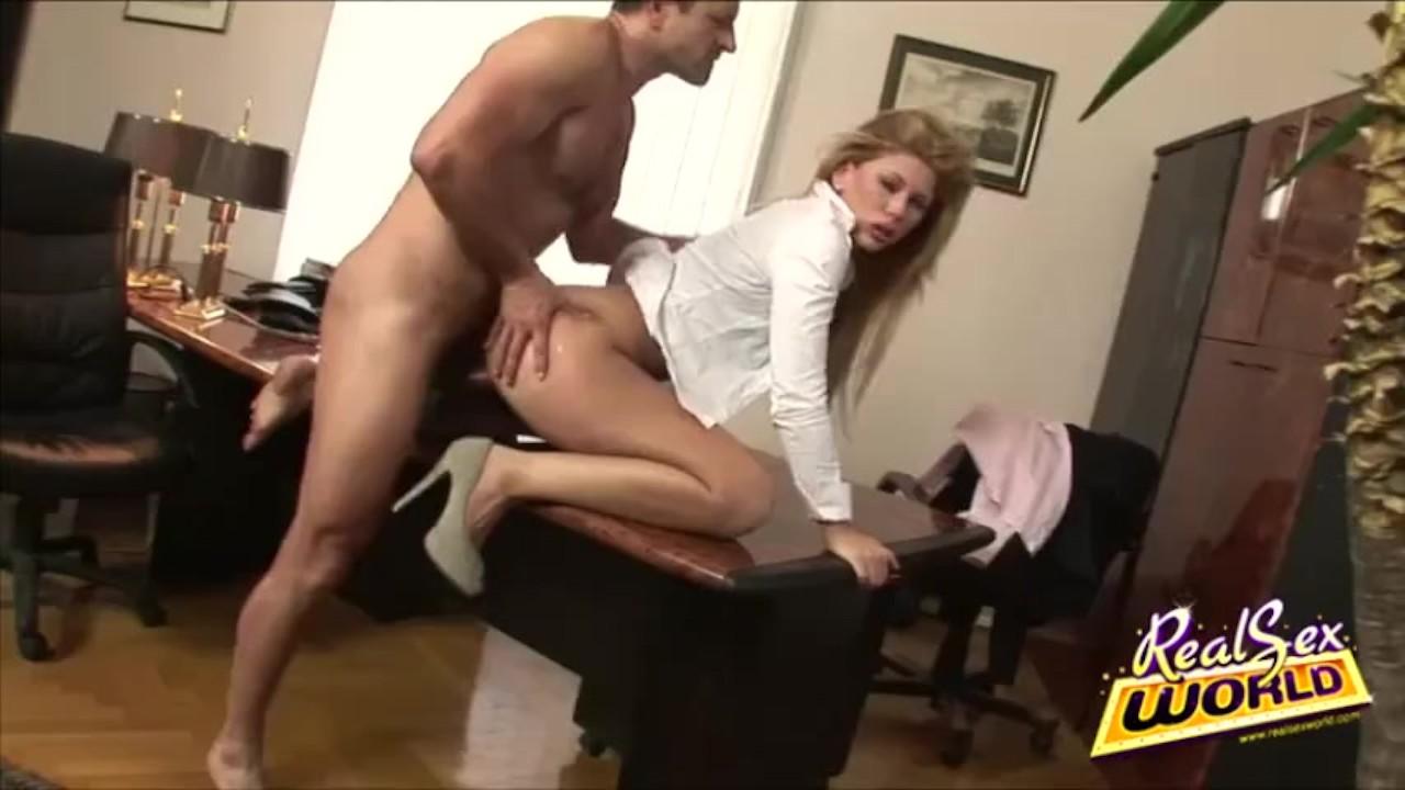 оргии я ебу секретаршу видео