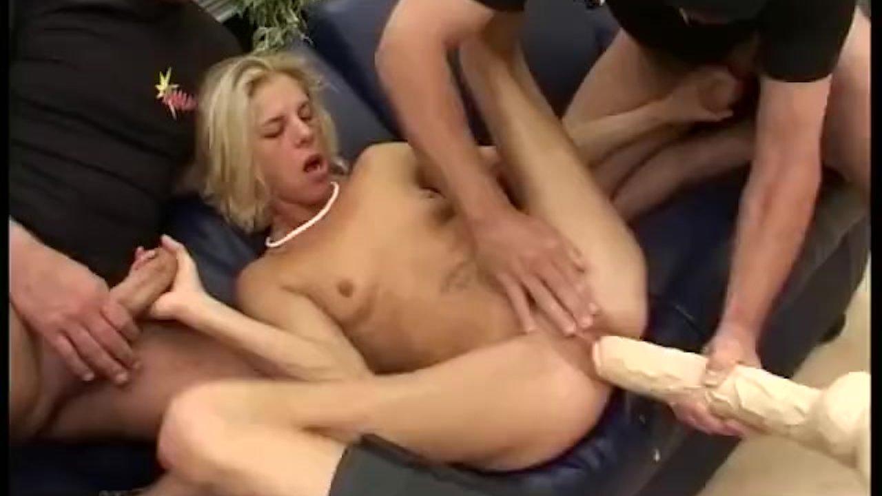 порно фильмы групповой анал в чулках