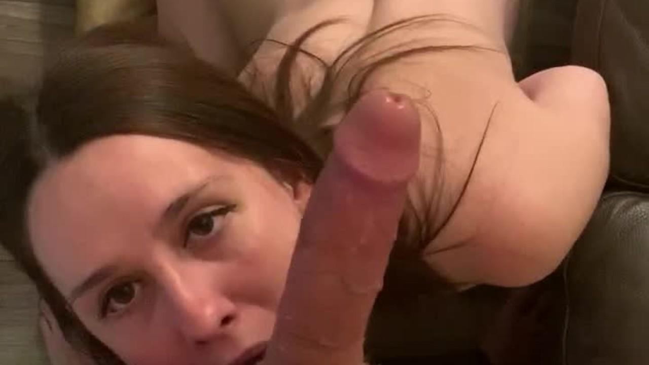 Рыжая сучка сосет порнушка фото 480-685